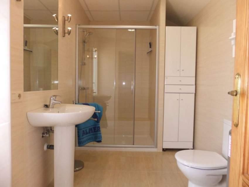 Einer der zwei Badezimmer
