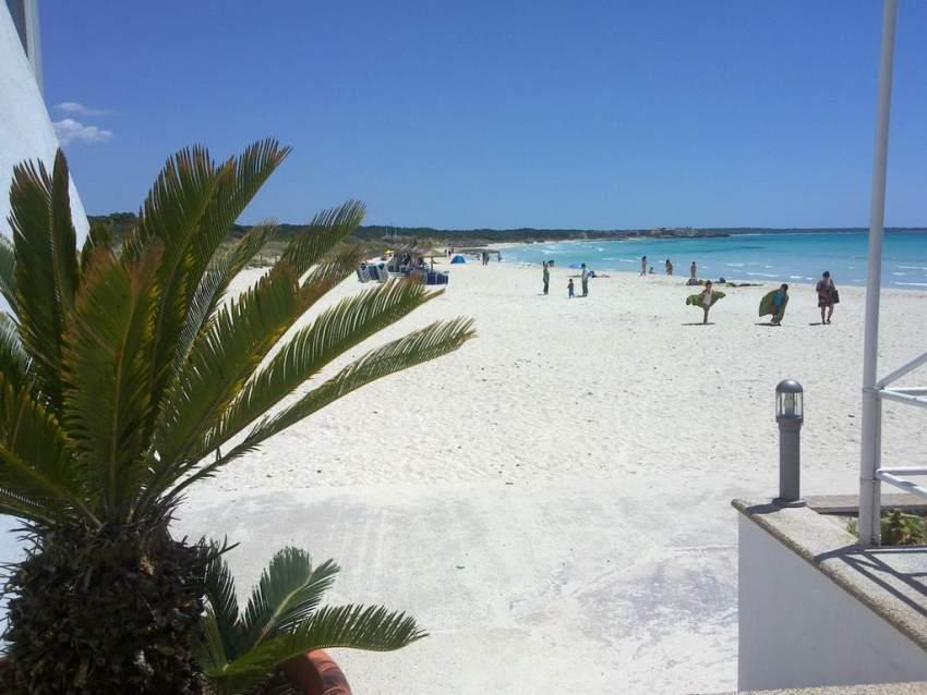 Der Sandstrand von Sa Rápita liegt nur ca 3,5 Km entfernt von Ihrem Ferienhaus