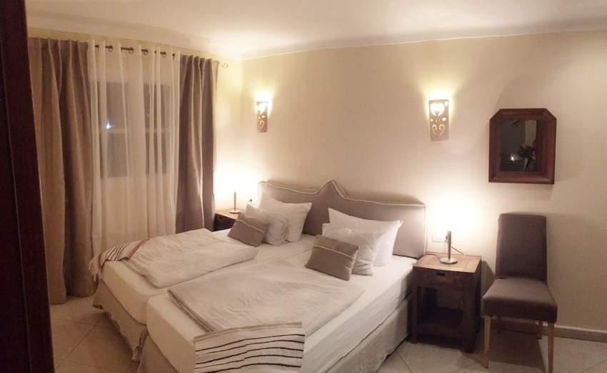 EG-Schlafzimmer im Haus Lavanda, mit Klimaanlage, Doppelbett 180x200