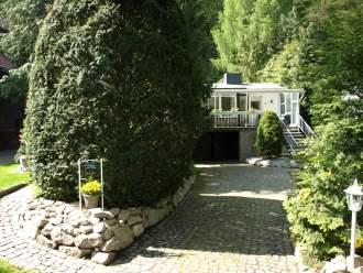 Ferienhaus Giesela **** in Wernigerode, Harz - Ihre Terrasse des Ferienhauses in Wernigerode. Hier tanken Sie Natur pur in herrlicher Ruhe, ob beim Frühstück oder bei einem zünftigen Grillabend.
