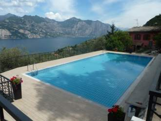 Ferienwohnung Private Fewo CESARE in Malcesine am Gardasee - Gardasee - Lago di Garda  Malcesine Malcesine - Swimming Pool Ferienwohnung CESARE