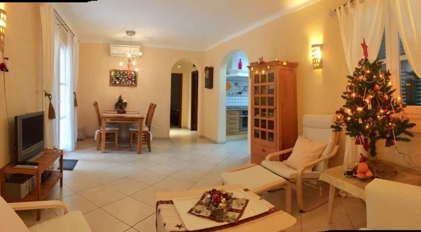 Casa Yacaranda, Wohnzimmer mit Full-HD-Sat-Tv, Sofaecke, Klimaanlage, Esstisch