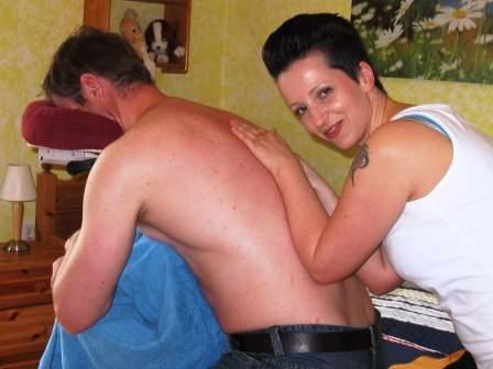 Ein Wellness-Massage kann extern gebucht werden.
