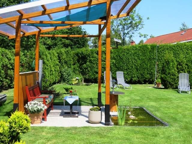 Saunagarten hinterm Haus