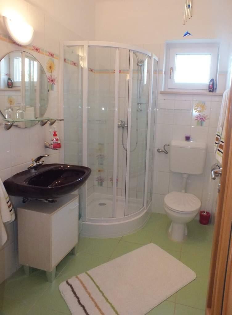 Jedes Zimmer mit eigenem Bad/WC und dt. Sat-TV