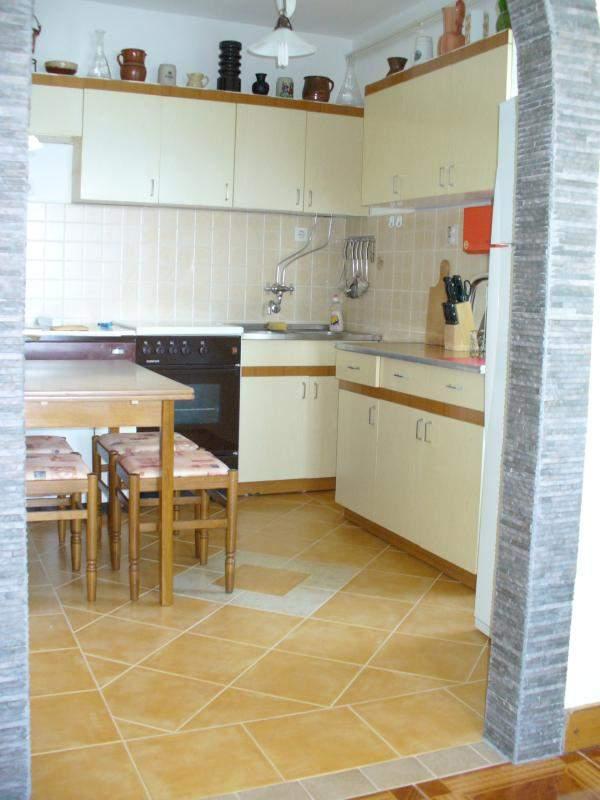 kuche apartment 3