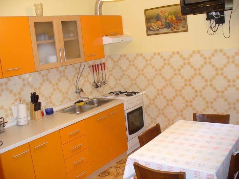 kuche apartment 2