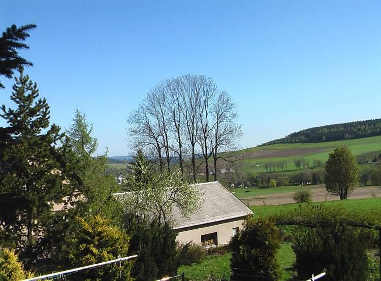 das Ferienhaus in ruhiger Lage am Ortsrand von Crottendorf