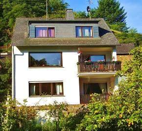 Ferienwohnung Ferienwohnung Klemm  - Rheinland Pfalz  Mosel Saar Region Burgen /Untermosel  - Ferienwohnung Klemm mit Blick in den Garten