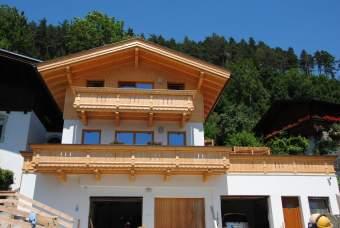 Ferienhaus Chalet Schlossblick Ferienhaus in Österreich - Bild 1