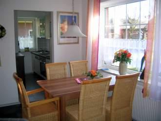 Nordseeferienhaus Kluntje in Greetsiel, Nordsee - Esszimmer