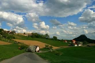 Ferienhaus Riegersburg - Ferienhaus Riegersburg Süd-Ost-Ansicht zur Riegersburg