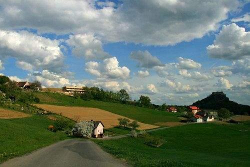 Ferienhaus Riegersburg Süd-Ost-Ansicht zur Riegersburg