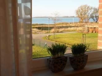 Ferienwohnung Ferienwohnung am Wieker Bodden - Ostsee Ostseeinseln Rügen Wiek - Wohnbereich mit Boddenblick