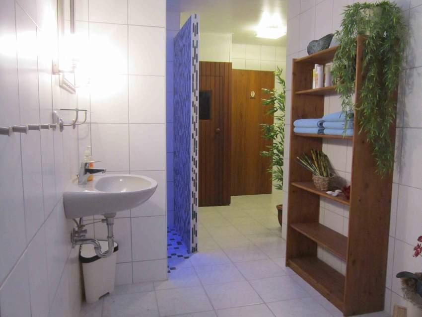 Barrierefreie Dusche und Saunavergnügen...