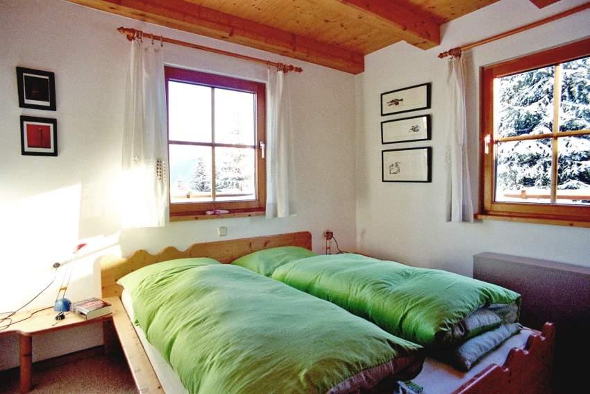 Schlafzimmer 1 mit Morgensonne