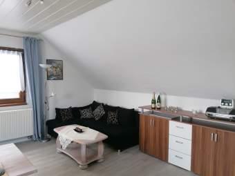 Schöne Dachgeschoßwohnung für 2 bis 3 Personen Ferienwohnung in der Eifel - Bild 2