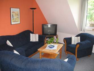 Gästehaus Uns Elke - Ferienwohnung in St. Peter-Ording - Wohnraum der Wohnung Muschel